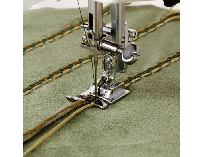 Stopka do naszywania ozdobnych sznurków Janome (rotacyjny), fig. 1